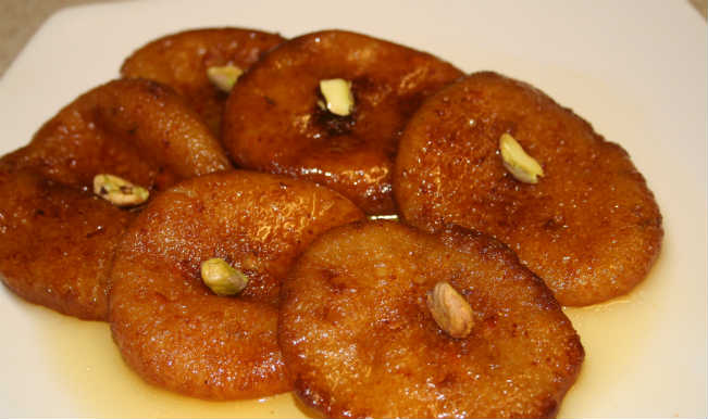 Malpua for holi: Sweets that make your holi more colorful