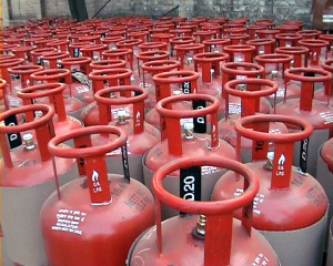 Government launches subsidised 5 kg LPG Cylinder scheme for BPL families