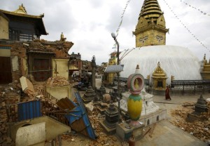 Nepal earthquake damages world's oldest Buddhist shrine Swayambhunath Stupa